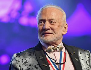 Buzz Aldrin requires a migration to Mars