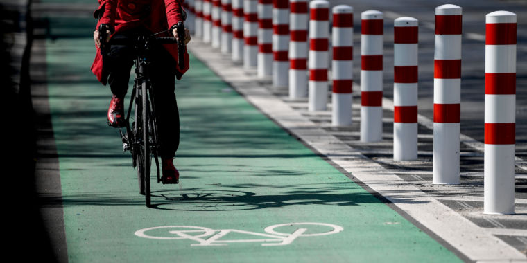 Bike lanes require physical security from cars and truck traffic, research study programs