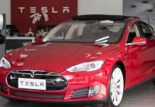 Thanks Auto-pilot: Polices stop Tesla whose motorist appears asleep and intoxicated