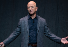 An Amazon consumer apparently attempted to return a product straight to Jeff Bezos throughout a question-and-answer session (AMZN)