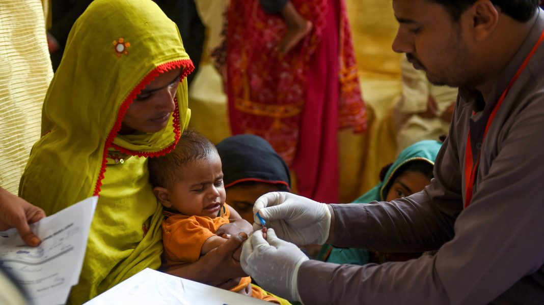 Medical Examination: How Did 494 Kid In 1 Pakistani City Get HIV?