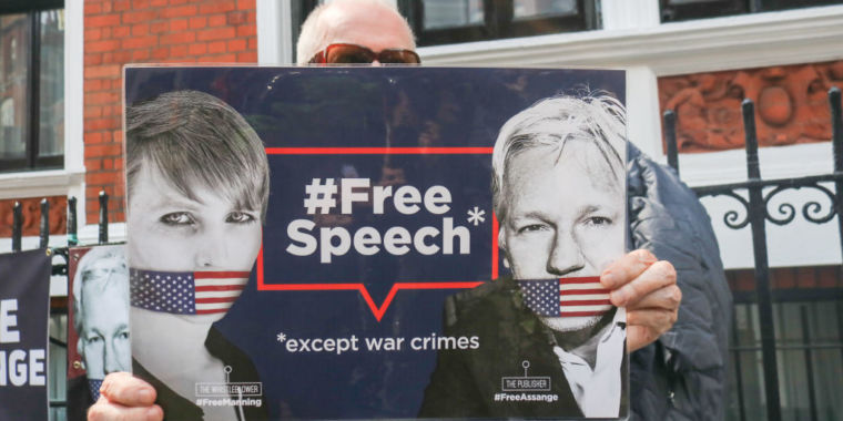 New Assange indictment includes 17 espionage charges