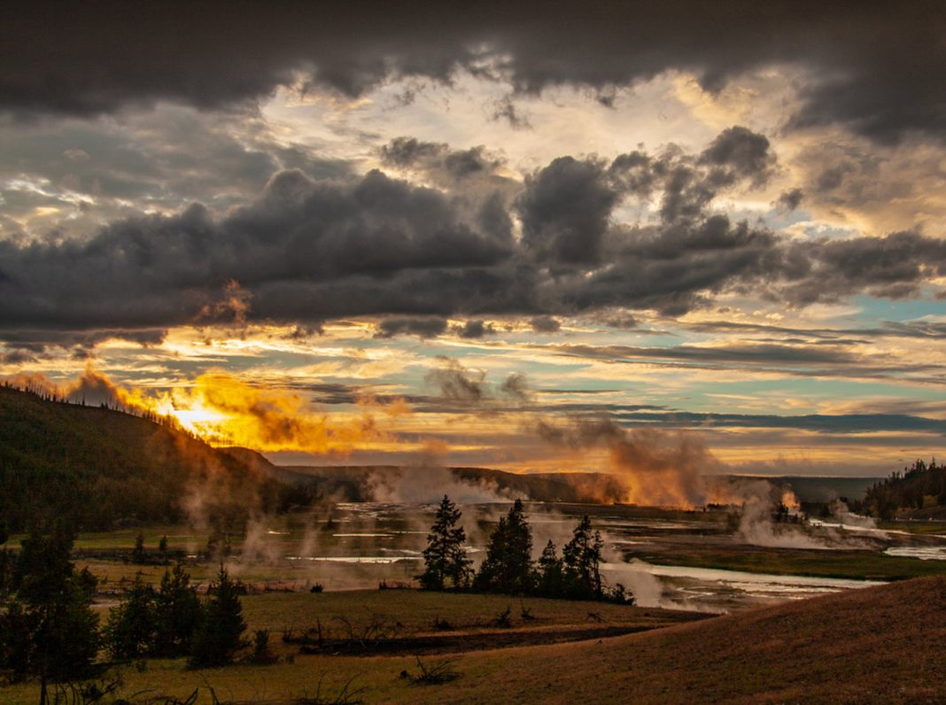 Why Countless Aftershocks of a 1959 Earthquake Simply Rumbled Through Yellowstone 60 Years Later On