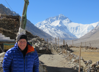 A 77- year-old physician detected himself with a lethal lung issue while climbing up Everest– here's how he made it through