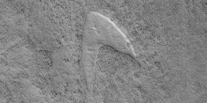 Star Trek on Mars: NASA areas Starfleet logo design in dune footprint