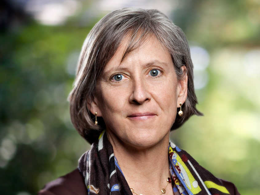 4 slides from Mary Meeker's Web Patterns reports ought to be a caution for tech business that wish to interrupt health care
