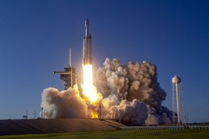 How one can watch SpaceX Falcon Heavy's first evening launch Monday