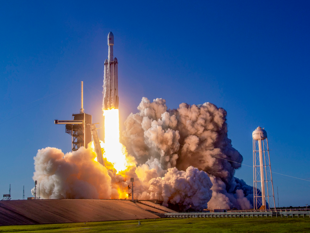 SpaceX will launch 152 dead individuals's stays into orbit aboard a Falcon Heavy rocket