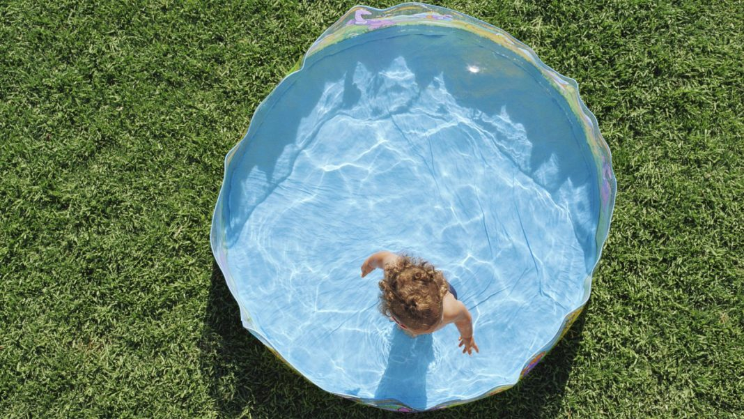 Put Non-Slip Tub Stickers in Your Wading Pool