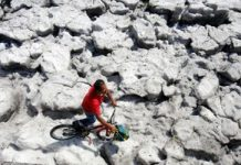 Freak hail and flooding develops summertime icebergs in a Mexican city
