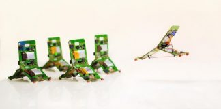 Tiny robotic jumps around bring its own battery, electronic devices