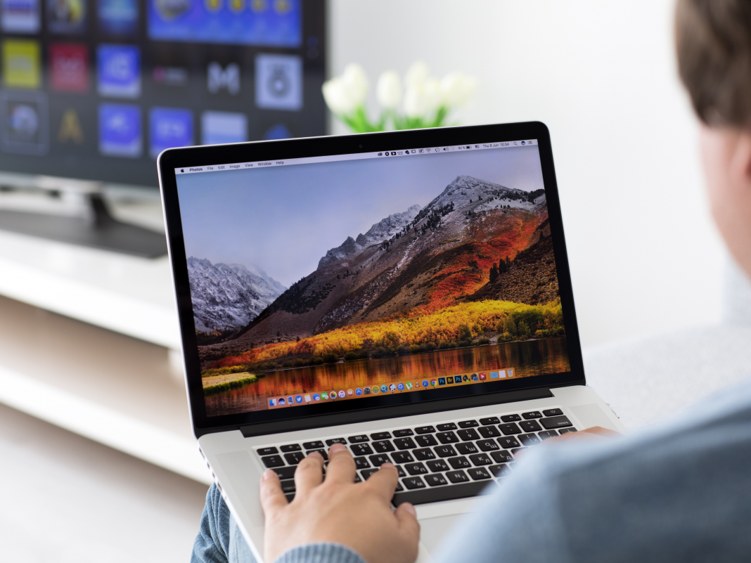 How to switch on AirPlay on a Mac computer system, for screen matching on bigger screens like an Apple or clever TELEVISION
