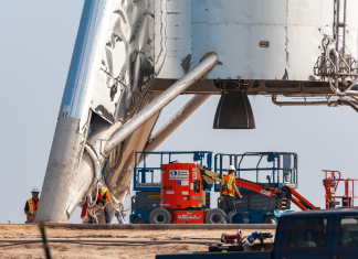 SpaceX will release a Mars-rocket model in Texas. You can enjoy live video of its 'hover' test, thanks to a number of next-door neighbors.