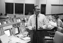 NASA famous flight director Chris Kraft has actually passed away at 95