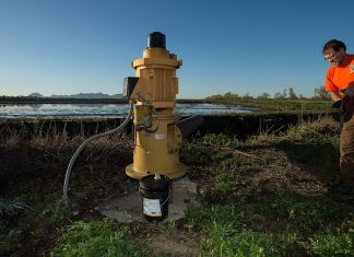 U.S. wells are pumping up groundwater from increasing depths