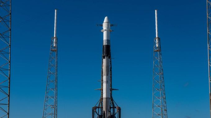 SpaceX scrubs 3rd Dragon flight due to weather, will attempt once again Thursday