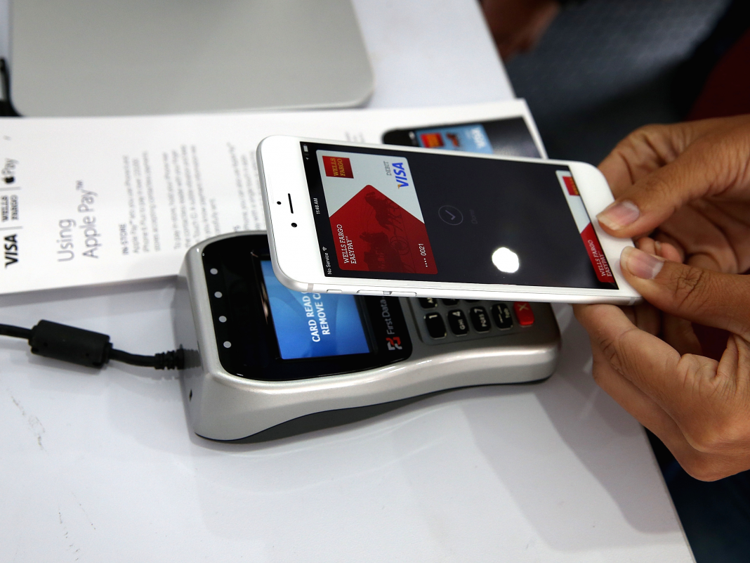 Apple Pay is growing much faster than the web's preferred payment service, PayPal