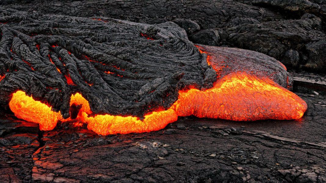 A Tiny Lava Blob May Reword Earth's History of Plate Tectonics