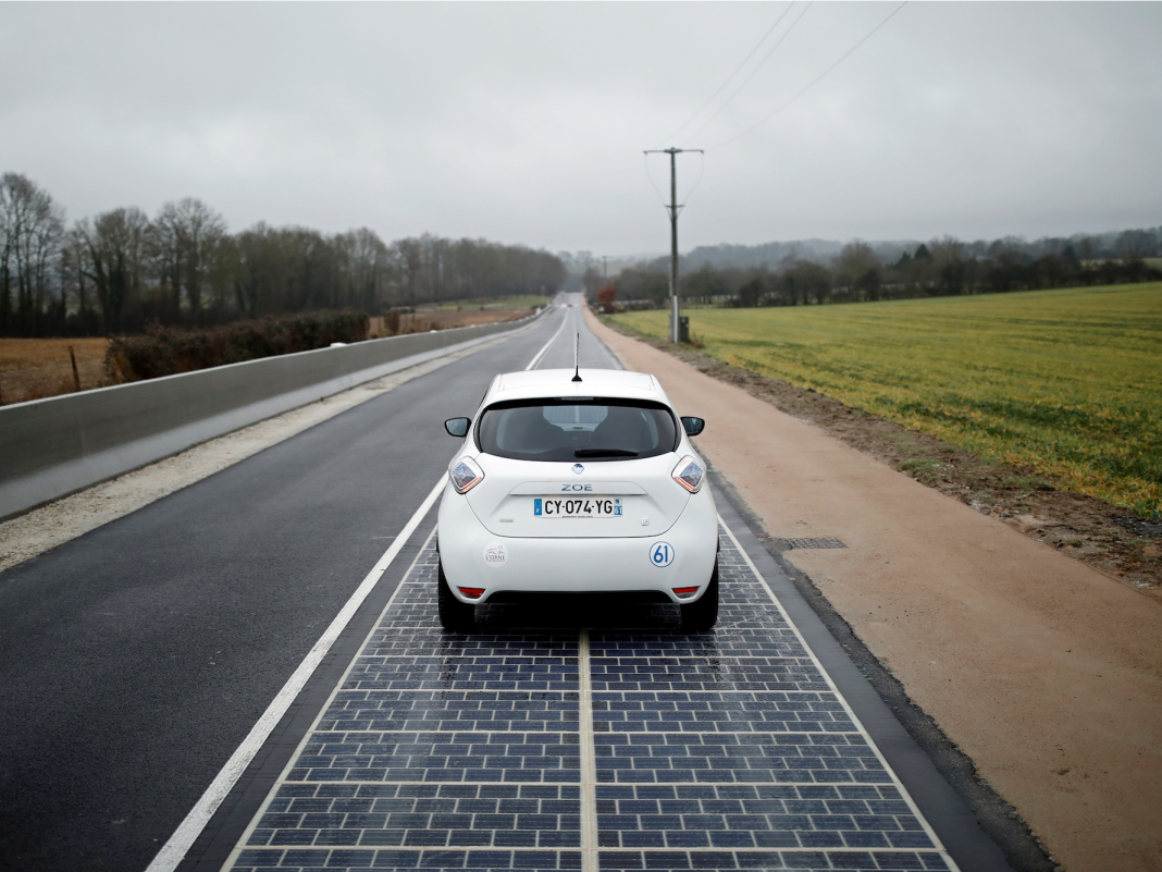 Pictures reveal the world's very first solar roadway that's ended up being a gigantic failure due to the fact that it's breaking down and does not produce sufficient energy
