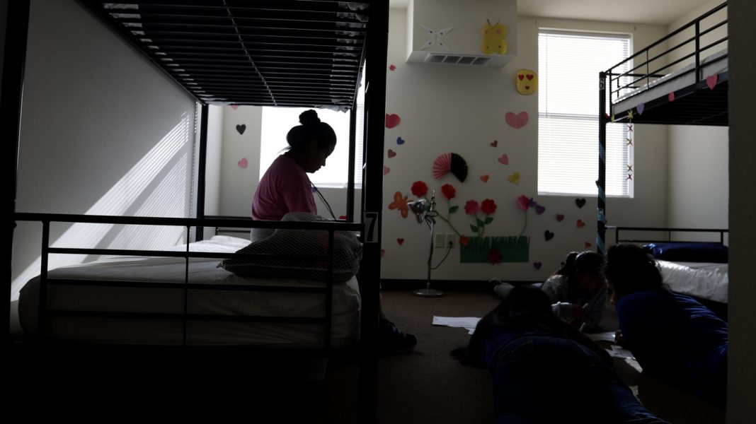 Lengthy Detention Of Migrant Kid May Produce Enduring Injury, State Scientists