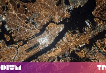 Bezos and Musk's satellite web might conserve Americans $30 B a year