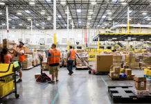Amazon is holding an across the country profession reasonable to work with 30,000 irreversible tasks– here's what a comparable occasion resembled at an Amazon storage facility in 2017 (AMZN)