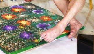 Artists who paint with their feet have 'toe maps' in their brains