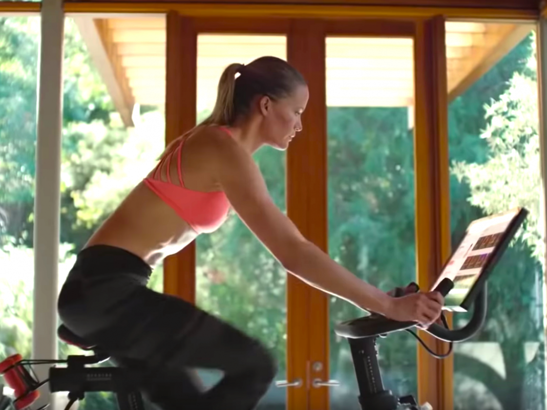 From $915 million in overall earnings to 1.4 million members, here are the numbers Peloton is utilizing to attempt and win financiers over