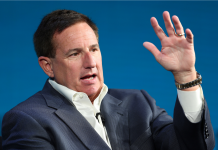 Experts state Oracle CEO Mark Hurd's medical leave is a 'big blow' at a turning point: 'Oracle requires less interruptions, and this is a significant one' (ORCL)