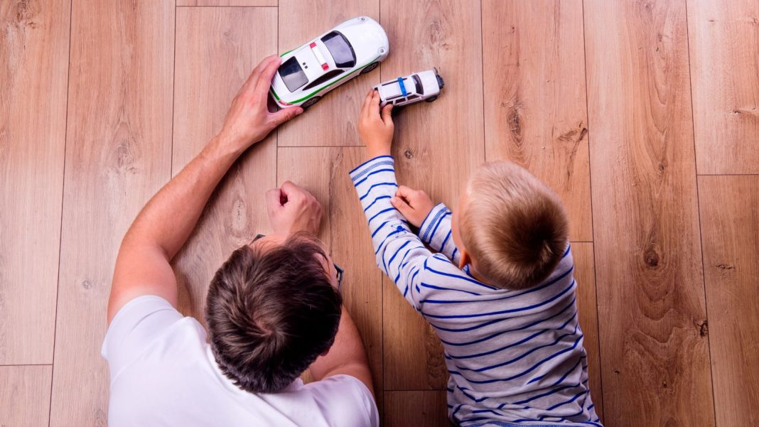 Quick Ways to Get In Touch With Your Kids When You're Hectic