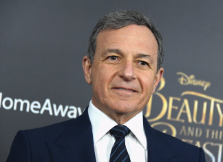 Disney CEO Bob Iger steps down from Apple's board ahead of the launch of the tech business's brand-new streaming service (AAPL, DIS)