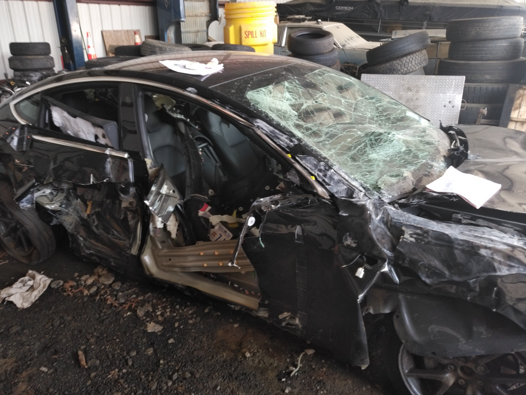 Tesla air bags didn't pump up when a household's Design 3 crashed into a guardrail, and declare the business isn't complying with the examination, victims' legal representative states (TSLA)