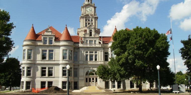 Examine the scope: Pen-testers captured, imprisoned in Iowa court house burglary effort