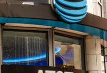 AT&T thinks about eliminating DirecTV as TELEVISION company tanks, WSJ reports
