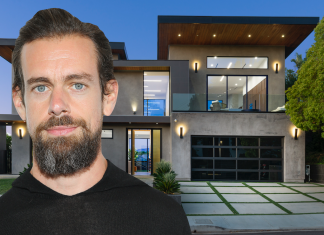 Twitter CEO Jack Dorsey noted his Hollywood Hills house for $4.5 million hardly a year after purchasing it– here's an appearance inside the estate