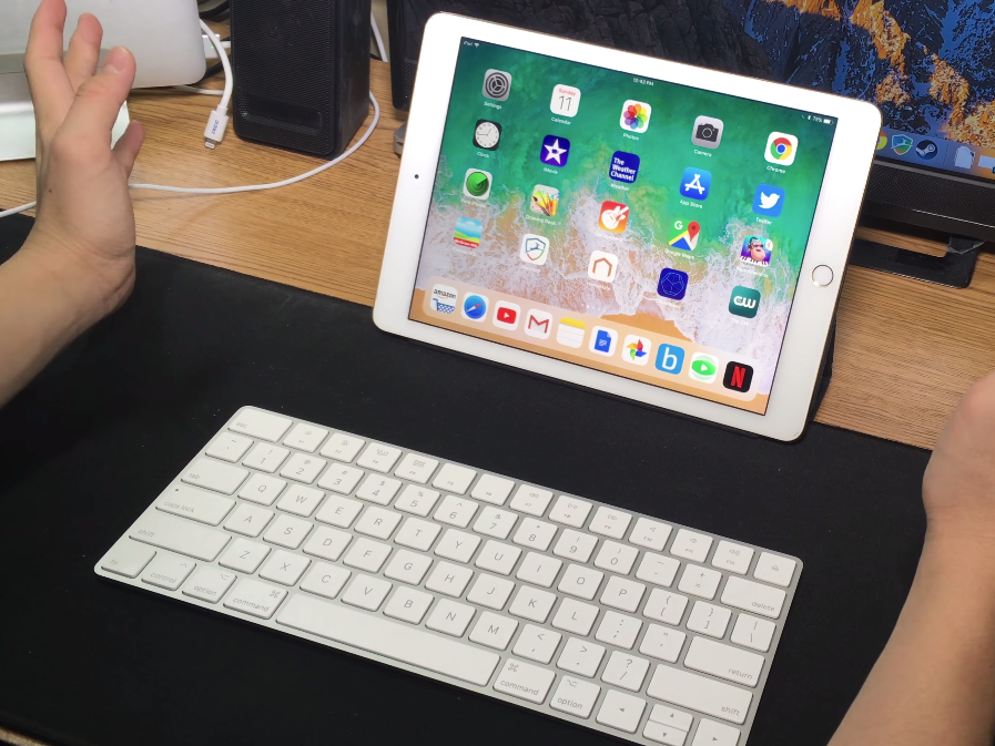 How to link a cordless Apple keyboard to your iPad and utilize it to enter any app