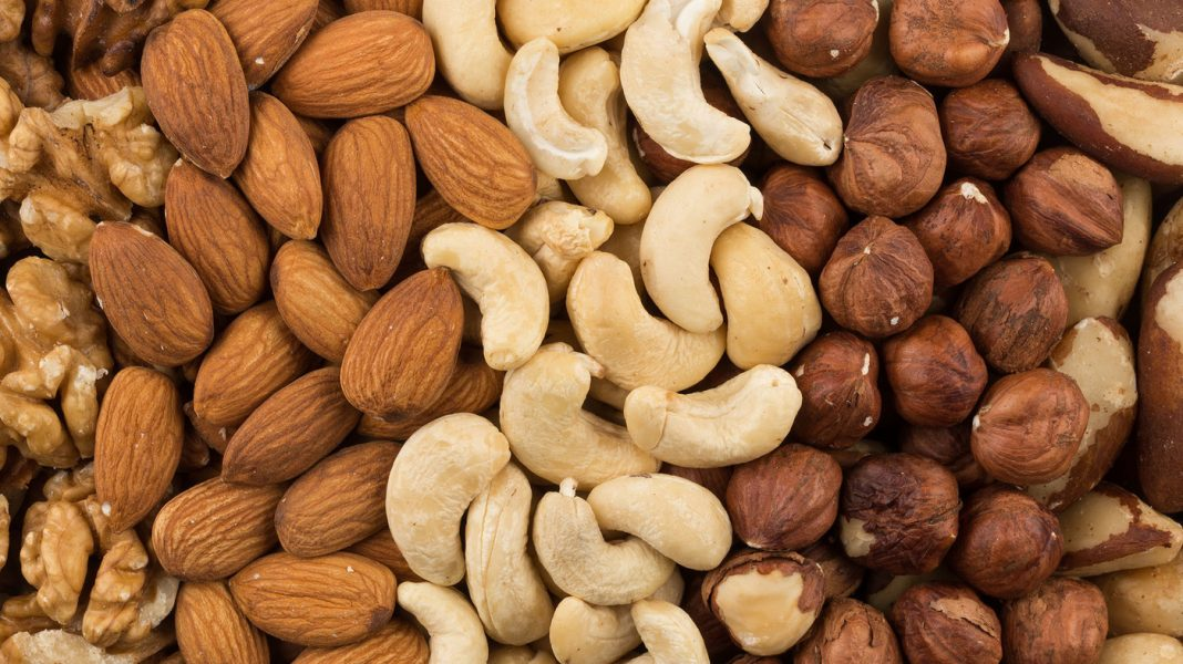 Simply A Handful Of Nuts Might Assist Keep United States From Loading On The Pounds As We Age