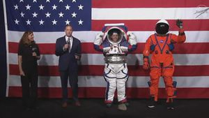 NASA reveals brand-new next-generation spacesuits video