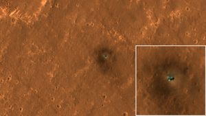 NASA pictures of Mars makers from above display orbiter's remarkable eyes