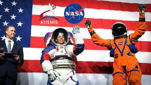 Enjoy NASA reveal 2 brand-new model spacesuits video