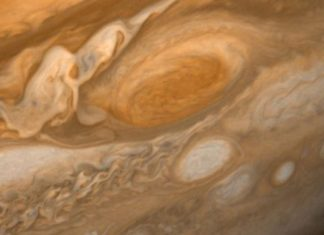 No, Jupiter's Great Red Spot is not disintegrating, physicist claims