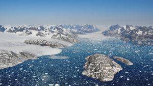 Greenland has lost 3.8 trillion metric tons of ice since 1992