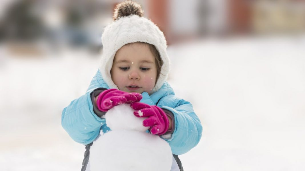 How to Keep Your Kid's Gloves Dry in the Snow