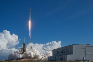 SpaceX launches satellites to orbit, but misses catching nose cone