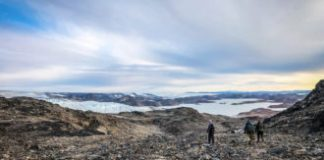 Debate over signs of early life inspires dueling teams to go to Greenland — together