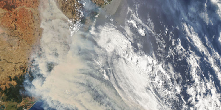 What's causing Australia's devastating fire weather?