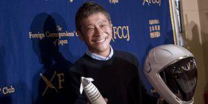 SpaceX moon passenger Yusaku Maezawa wants to take a girlfriend to the moon