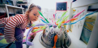 Entertain Your Toddler With a Colander and Pipe Cleaners