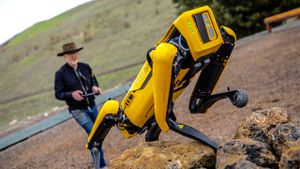 Boston Dynamics hands Spot the robot dog over to Adam Savage for training