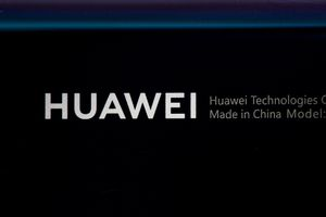 Huawei postpones its developers conference over deadly coronavirus